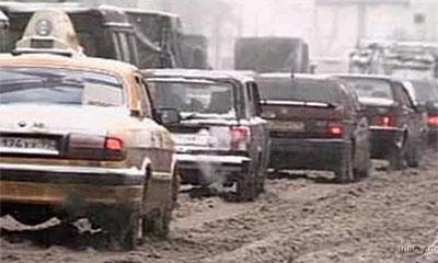 На Можайском шоссе из-за ДТП образовалась многокилометровая пробка