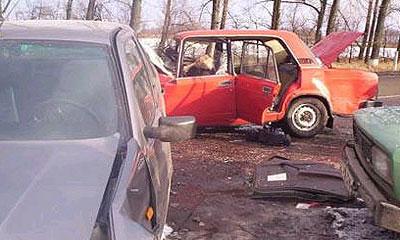 Четыре человека погибли в автокатастрофе близ Алма-Аты
