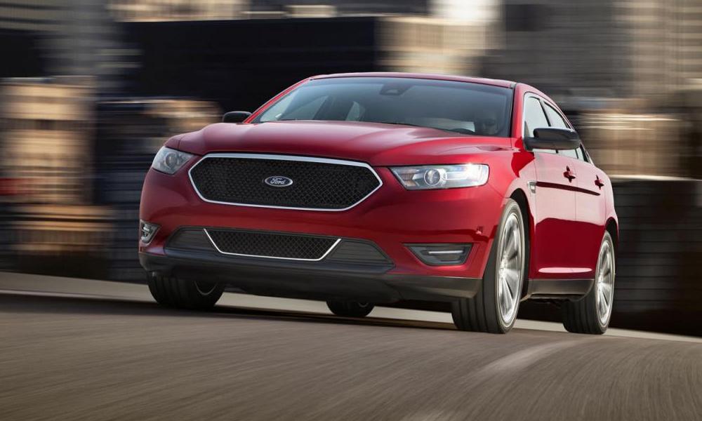 Ford показал Taurus SHO на гоночном треке. ВИДЕО
