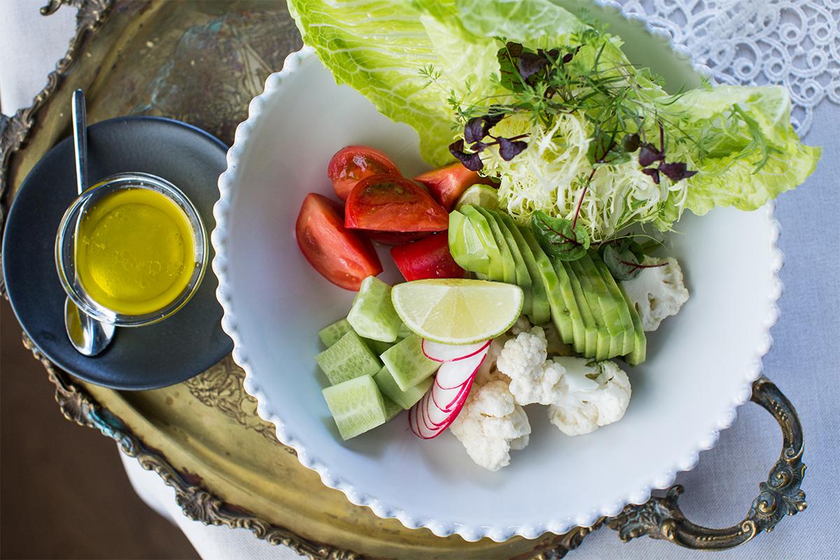 Raw-овощи с лаймовой заправкой