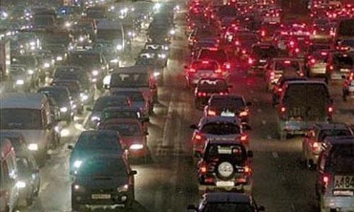 В час пик в пробках Москвы стоит 600 000 машин одновременно