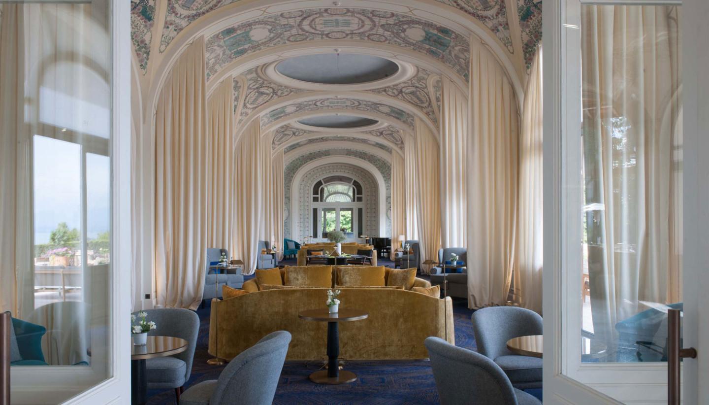 Лаундж в отеле Royal