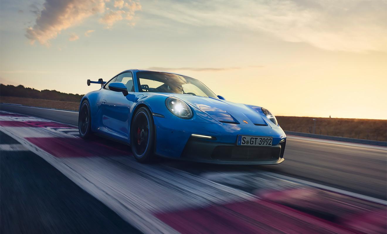 От Lada до Porsche: 12 автоновинок России в марте