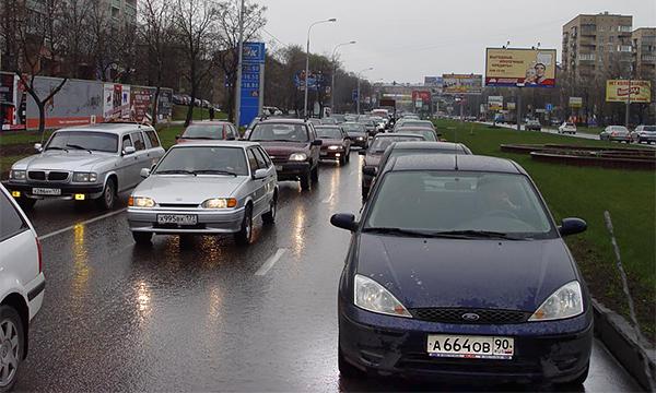 Названы самые популярные цвета автомобилей в России
