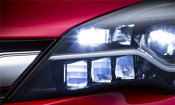 Новая Opel Astra получит светодиодные матричные фары
