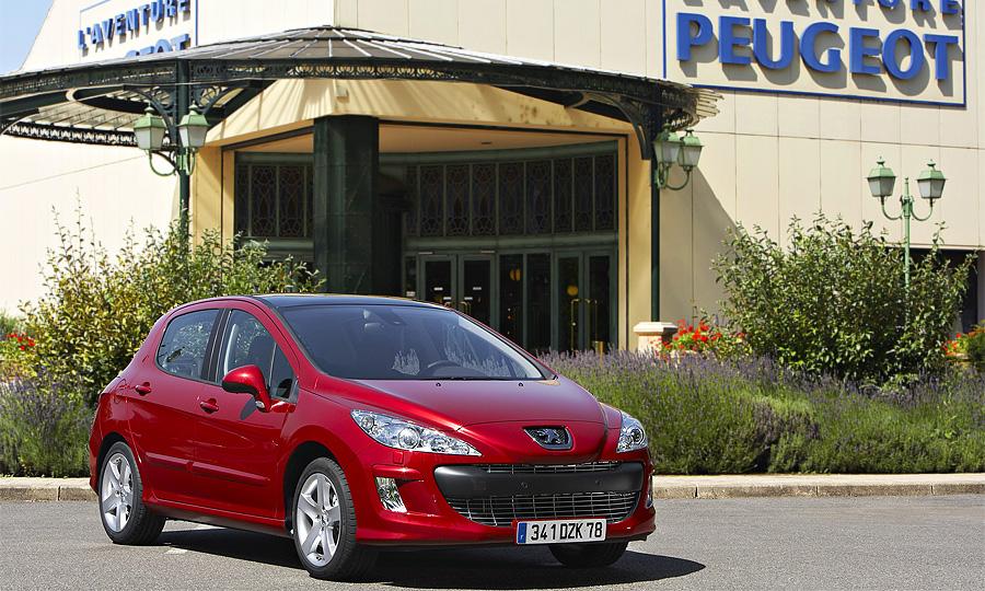 Объем продаж Peugeot Citroen в России упал за полгода на 6,3%