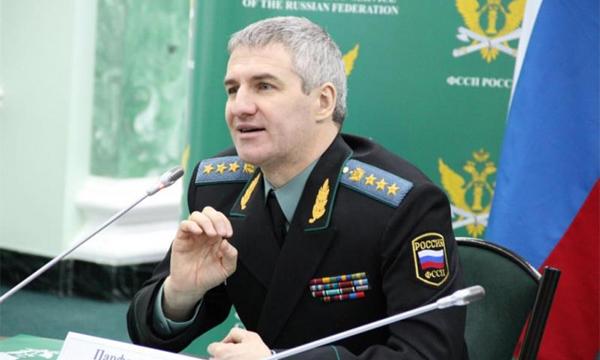 Главный судебный пристав России Артур Парфенчиков поддержал идею лишать водительских прав злостных неплательщиков алиментов