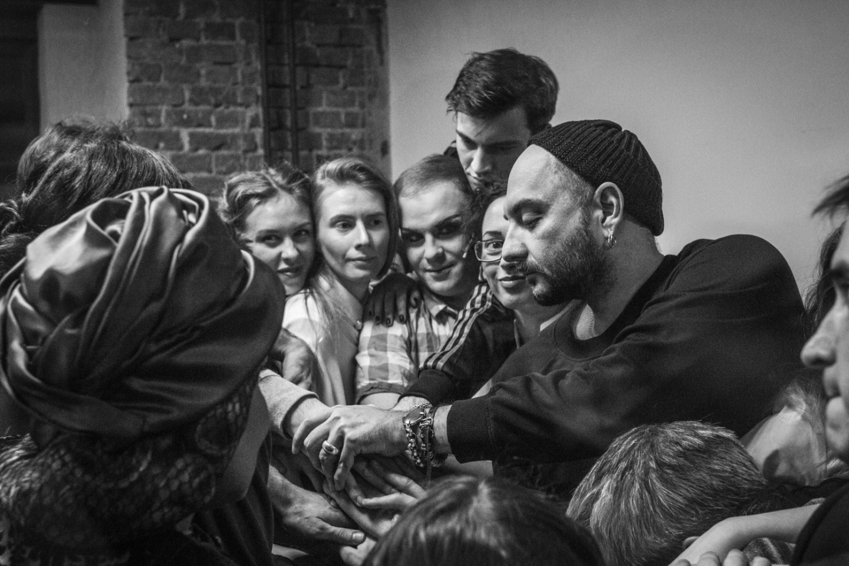 Кирилл Серебренников и команда спектакля «Машина Мюллер»