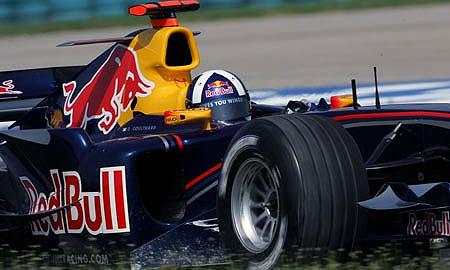 Red Bull будет рекламировать фанатов
