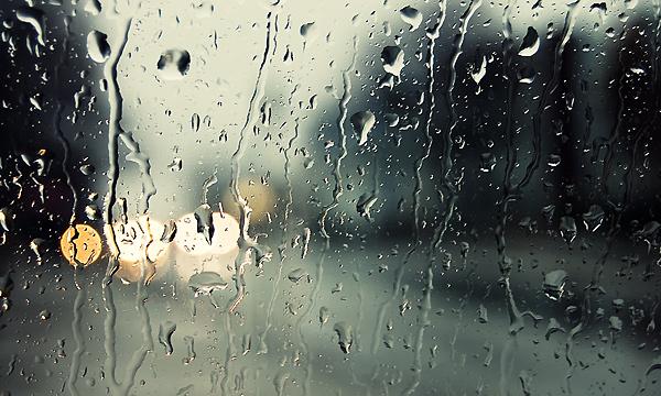 МЧС просит автомобилистов воздержаться от поездок в связи с непогодой