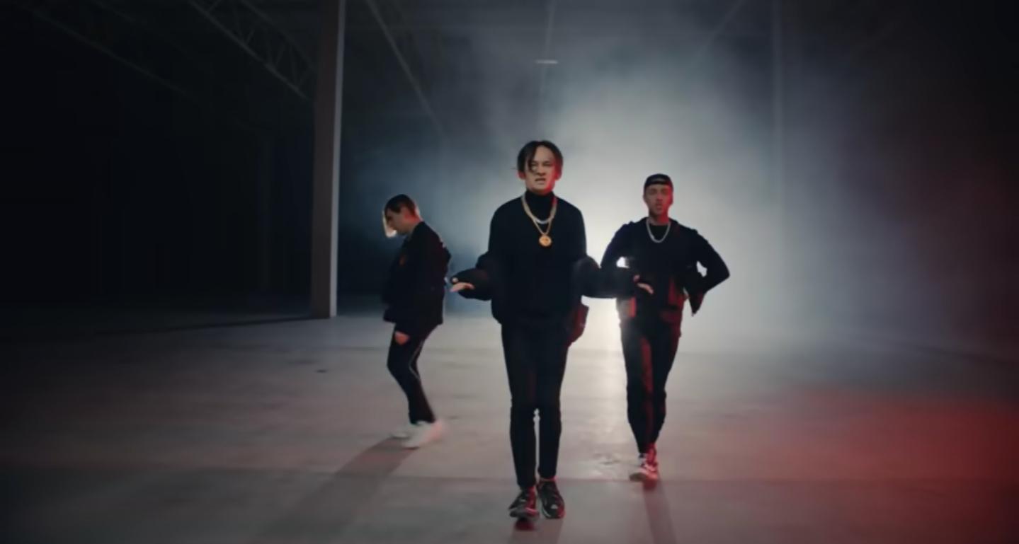 Кадр из клипа «THRILL PILL, Егор Крид & MORGENSHTERN - Грустная песня»