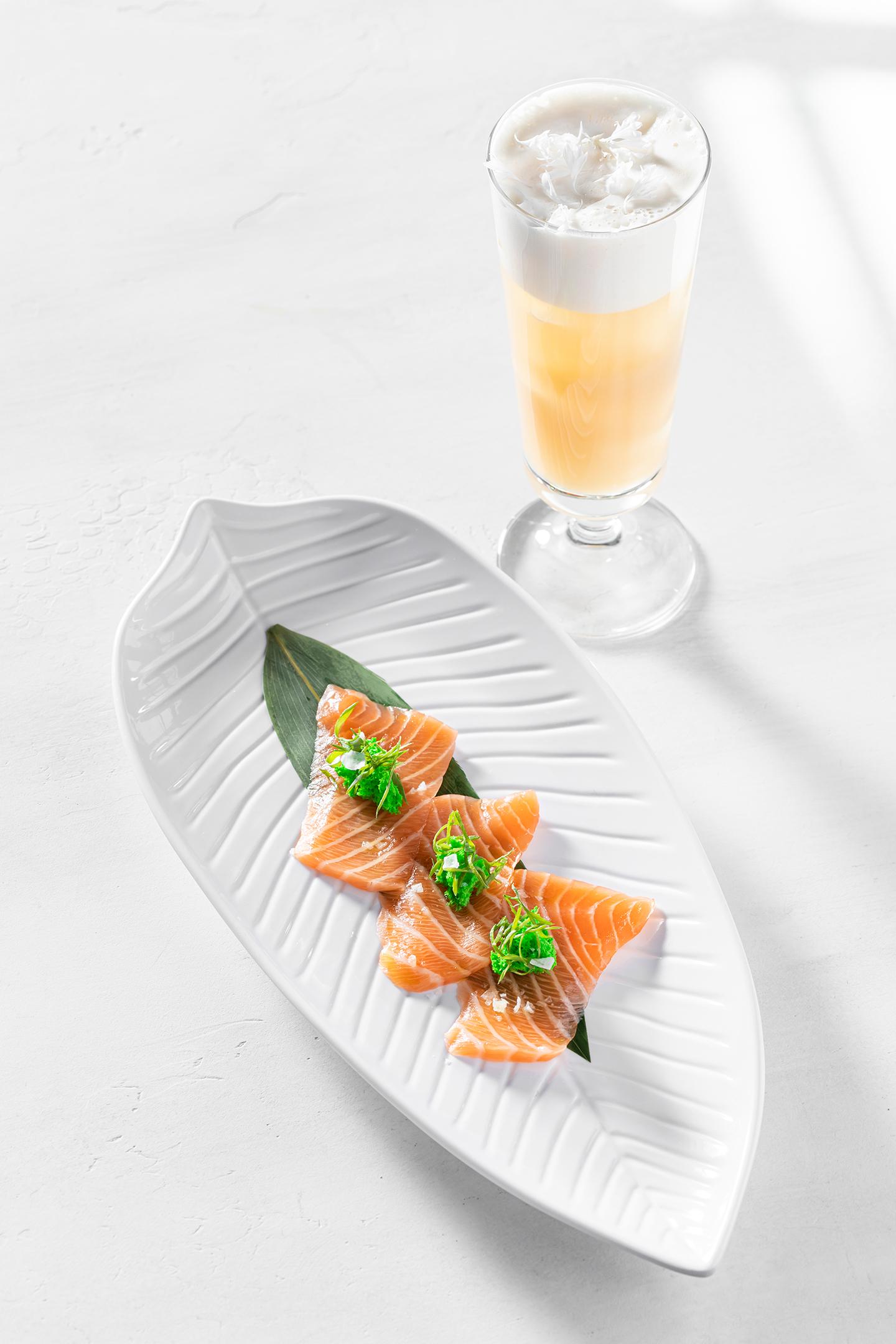 Черемуховый сауэр и лосось с соусом понзу