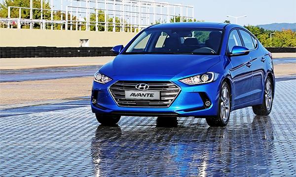 Hyundai показал новый седан Elantra