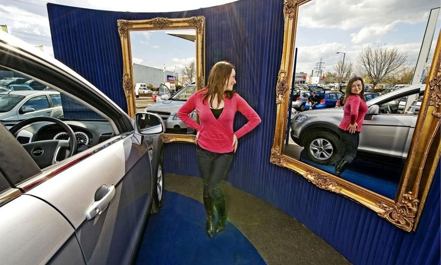 Chevrolet создал первую в мире автомобильную примерочную