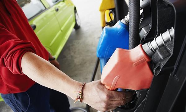 Московские АЗС подняли цены на бензин