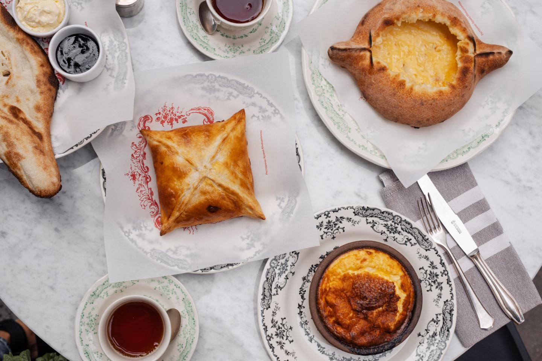 Легкий завтрак в грузинском стиле
