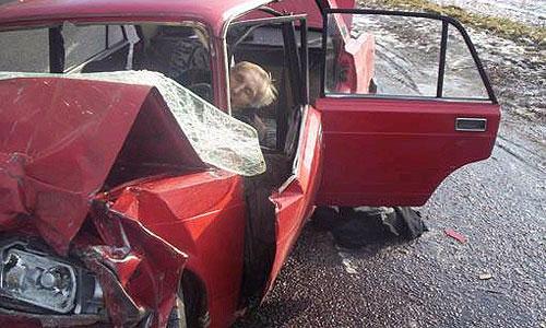 Водитель ВАЗ-2104 не справился с управлением