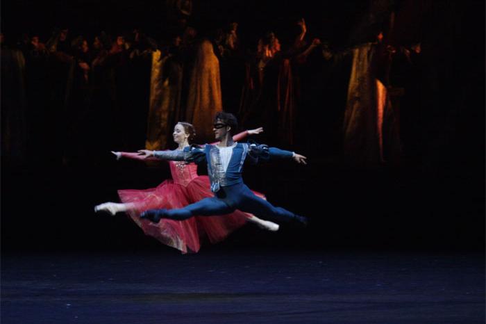Балет «Ромео и Джульетта», хореограф Юрий Григорович. Джульетта— Екатерина Крысанова, Ромео— Руслан Скворцов