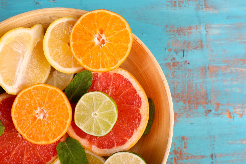 Продукты с высоким содержанием витамина С позитивно влияют на здоровье кожи