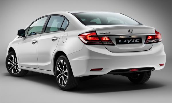 Honda увеличила дорожный просвет Civic для России