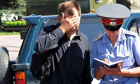 Милиционеры 5 лет ставили на учет контрабандные иномарки