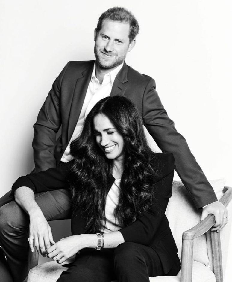 Первое официальное фото принца Гарри и Меган Маркл после «мегзита»