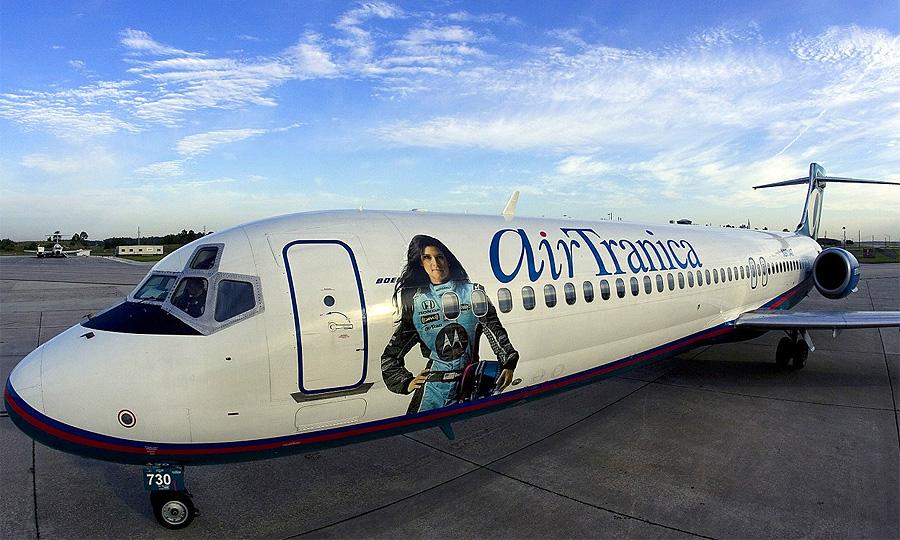 Самолет получил не только запоминающийся внешний вид, но и собственное имя AirTranica