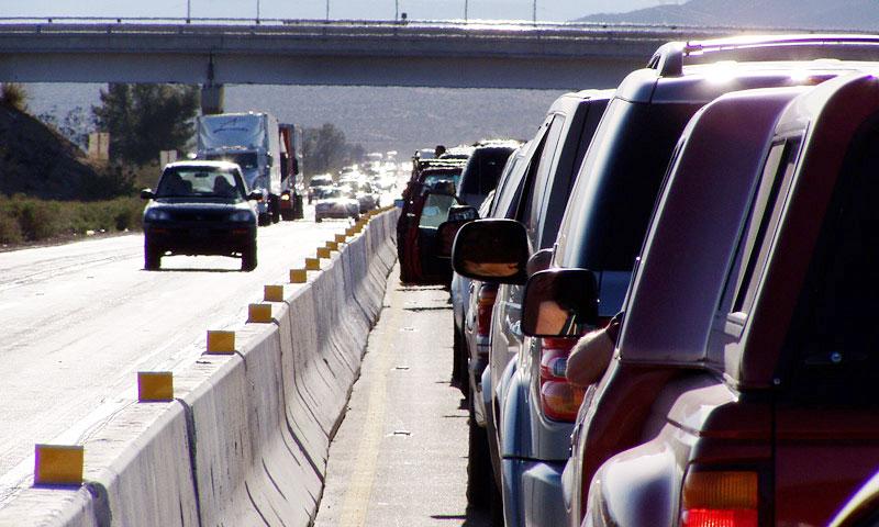 Новая разметка на МКАД будет пугать водителей шумом