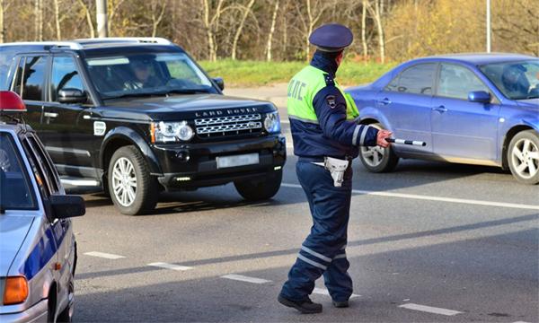 У пьяных водителей предложили отбирать автомобили  до оплаты штрафа