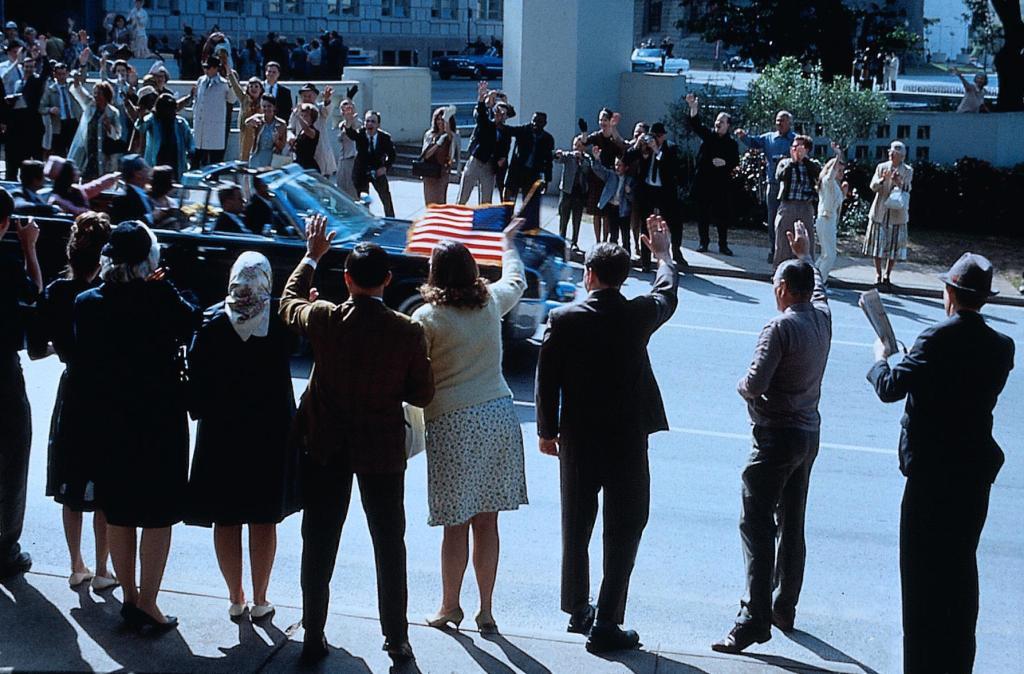 Кадр из фильма«Джон Ф. Кеннеди. Выстрелы в Далласе»