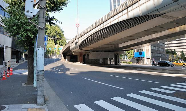 Мистика дорог на примере одинокого перехода