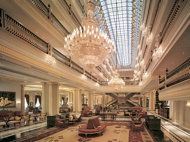 Лобби отеля Titanic Mardan Palace