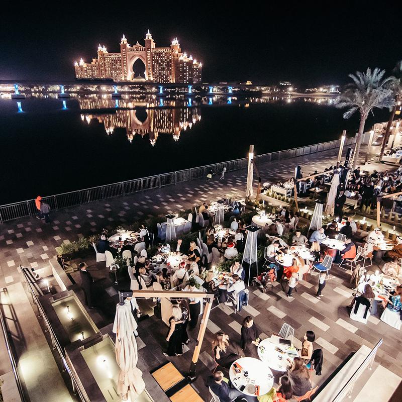 Вид на курортный комплексAtlantisс террасы Chalet Berezka Dubai