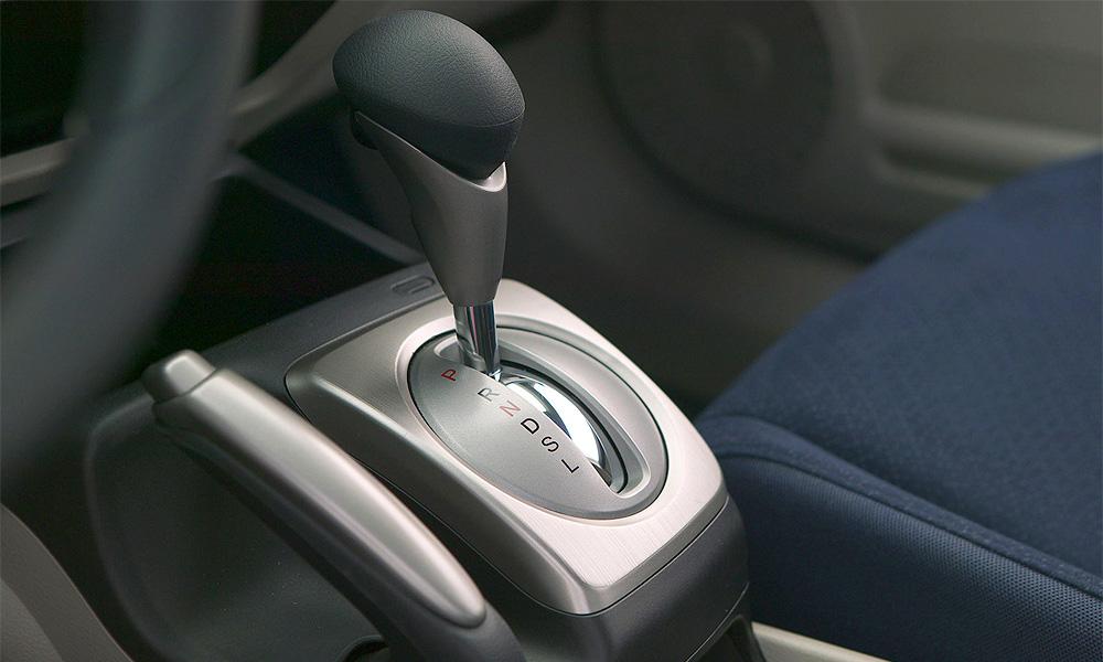 Самые дешевые в России автомобили с «автоматом»