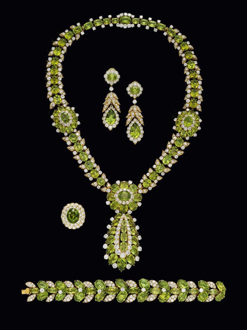 Цветочный сет с перидотами, Van Cleef & Arpels