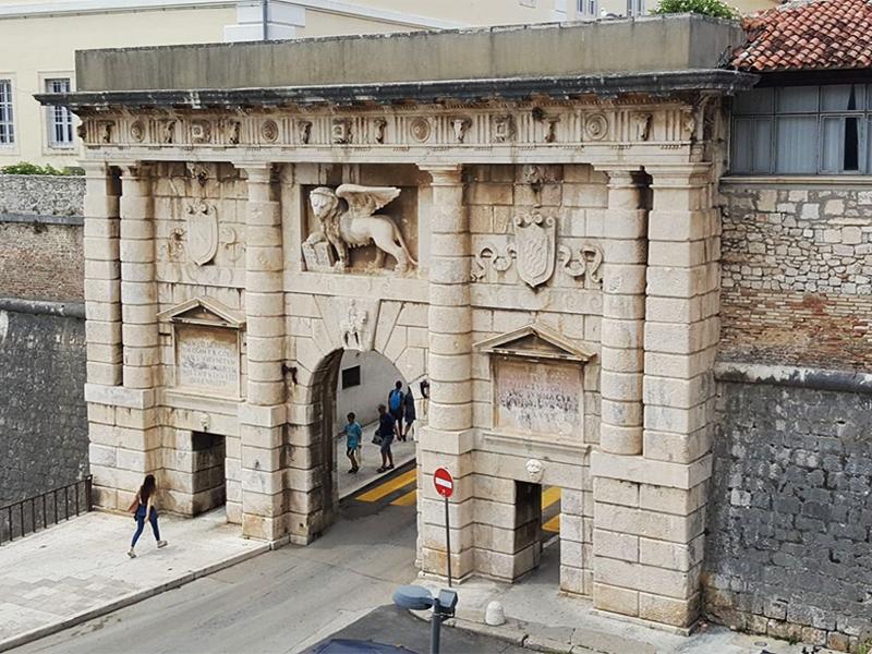 Старинные городские ворота, Задар, Хорватия