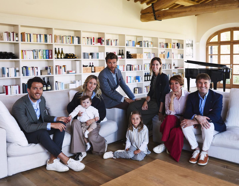 Брунелло Кучинелли с семьей