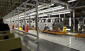 Nissan сокращает объем производства в Японии