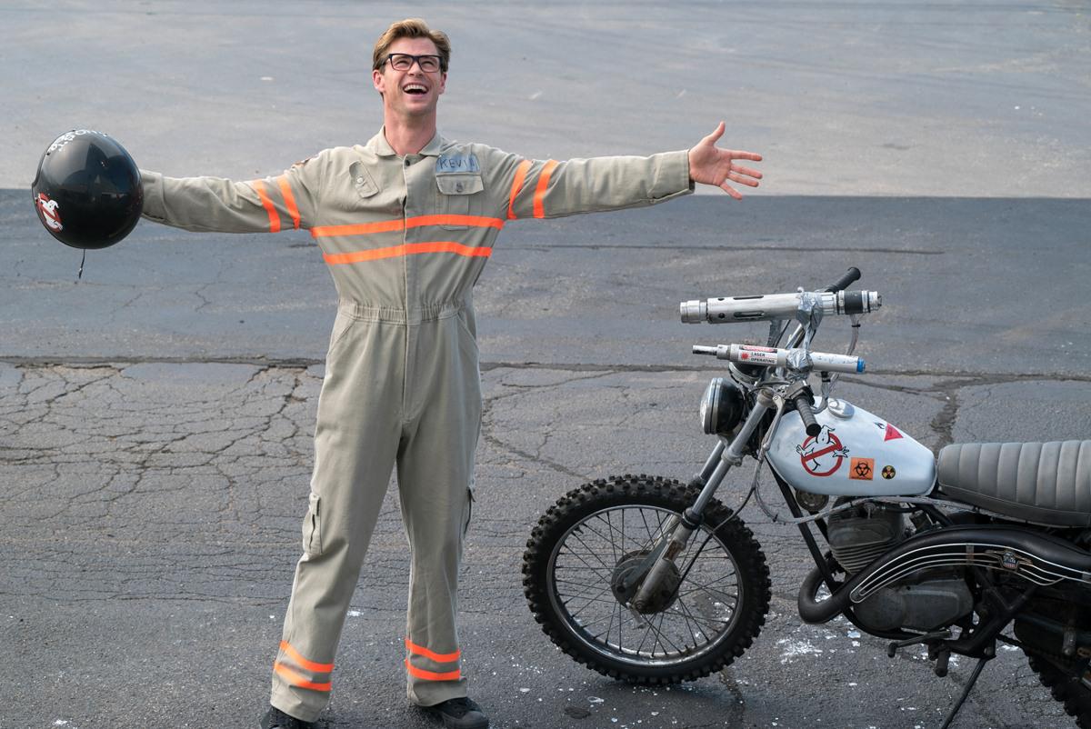 Актер Крис Хемсворт и мотоцикл Экто-2