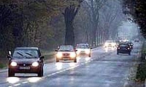ГИБДД Москвы призывает водителей включать  ближний свет днем