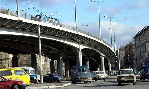 На пересечении пр. Маршала Жукова и ул. Народного Ополчения построена эстакада