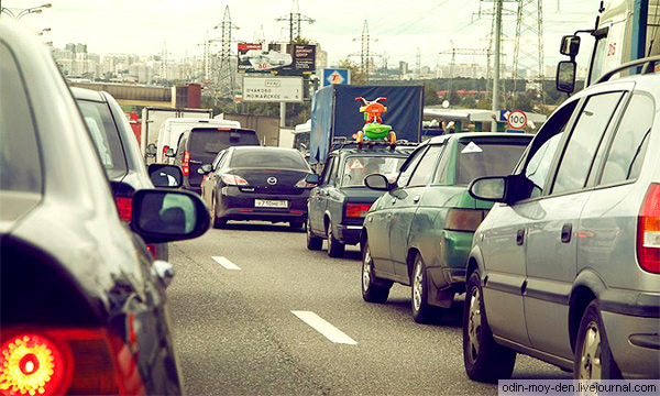 Autonews.ru: «Убей дачника, спаси МКАД». Репортаж из пробки