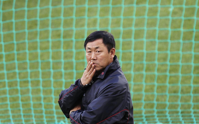 Ким Джон Хун, главный тренер сборной Северной Кореи по футболу