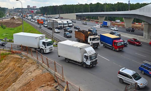 «Если едешь - плати». Чем хотят заменить транспортный налог