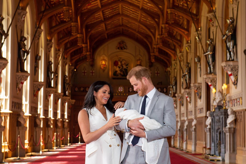 Герцог и герцогиня Сассекские с новорожденнымАрчи Харрисоном Маунтбеттен-Виндзором