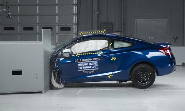 Высший балл за краш-тест получил 1 из 12 автомобилей