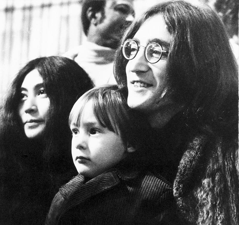 Йоко Оно, Джуллиан Леннон, Джон Леннон