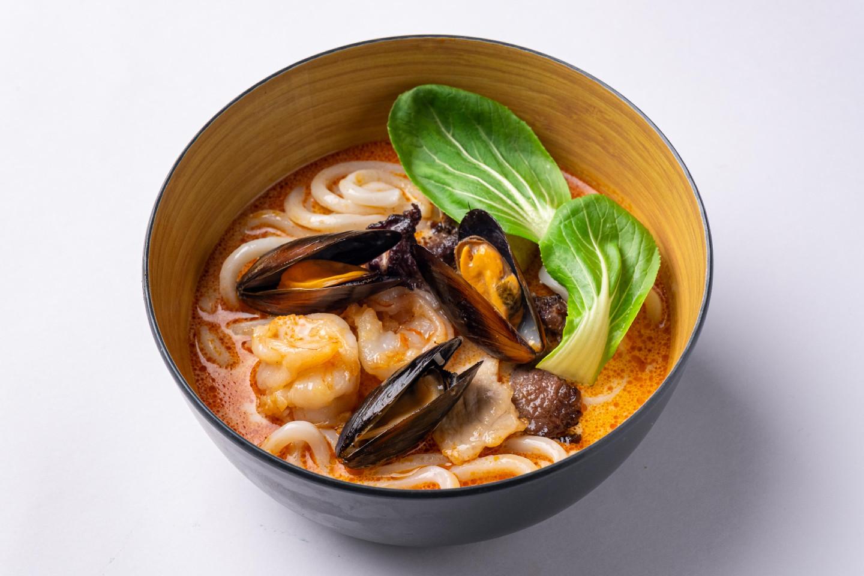 Лакса с морепродуктами