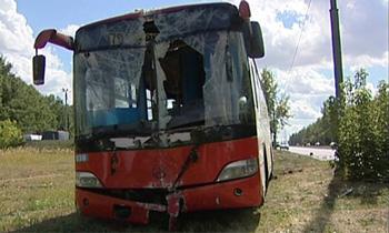 В Саратовской обл. автобус сбил опору ЛЭП, пострадали 8 человек