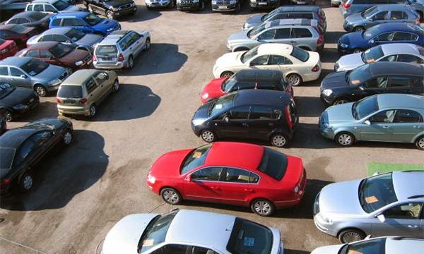 Спрос на подержанные автомобили среди иностранцев вырос из-за падения рубля